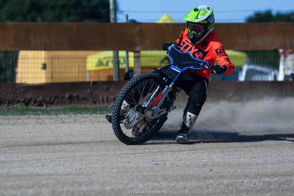 Mariuxi Taranto. Ecuadorian at the speedway track